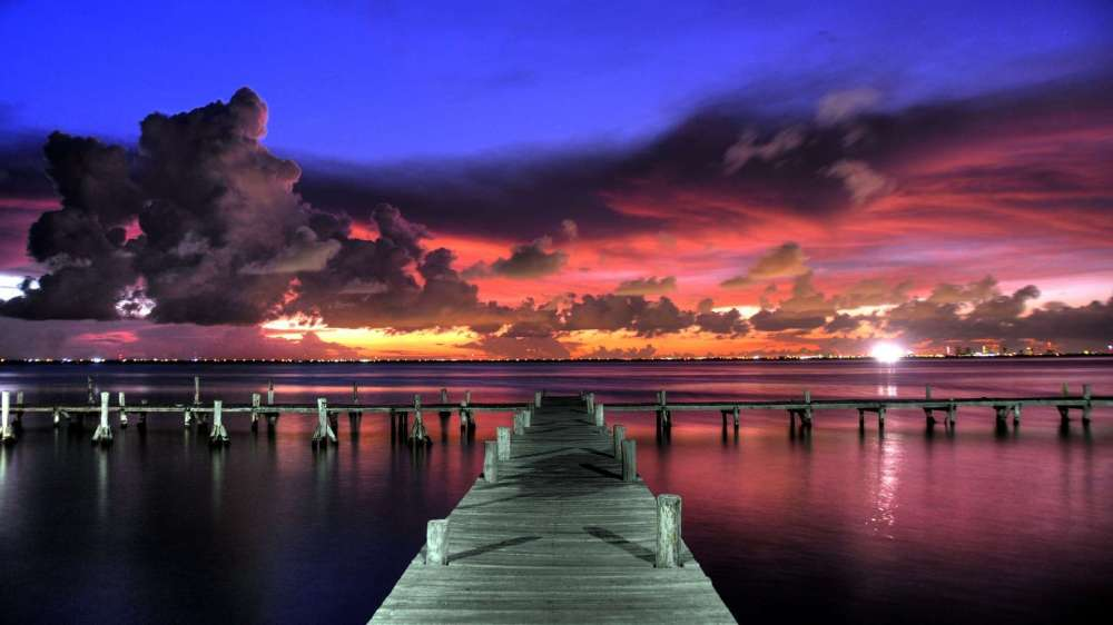 Love_Dock_Eeach_Landscape_Background